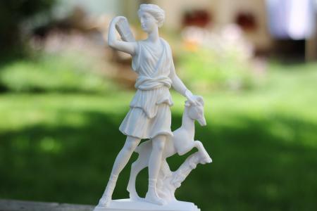 Artemis Hold istennő Artemisz Önismereti Műhely Debrecen