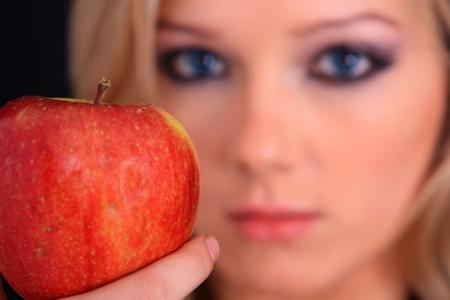 Éva és az alma esete ma Artemisz Önismereti Műhely Debrecen